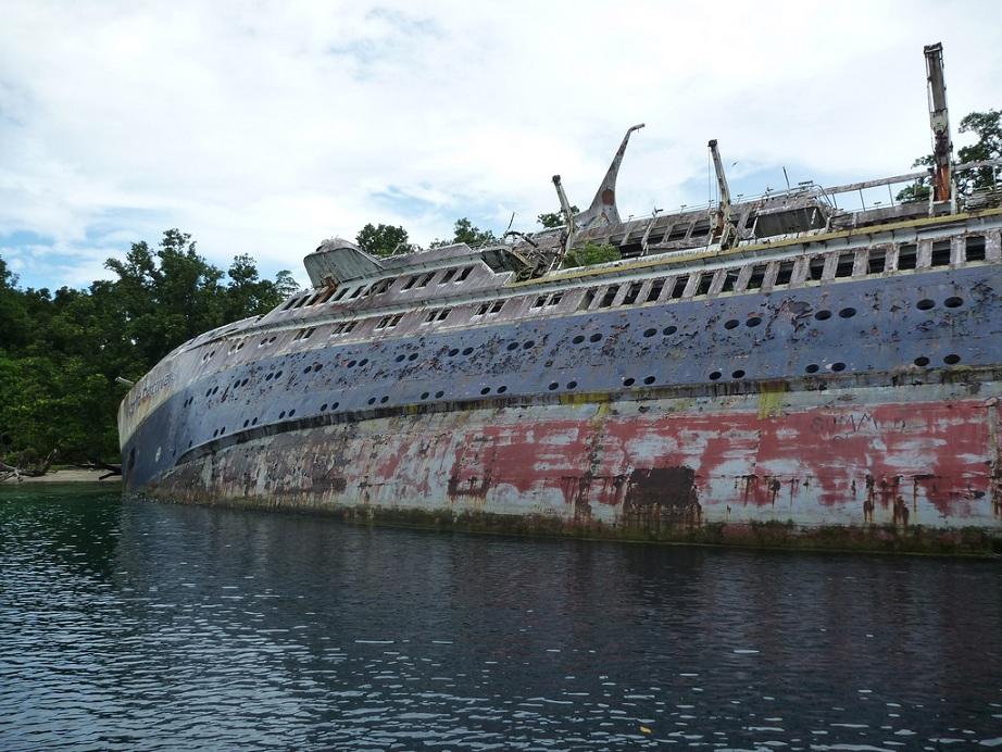 shipwrecked world discoverer cruise ship sometimes interesting