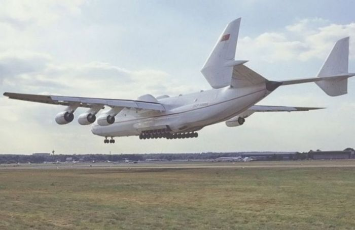 World's Largest Aircraft: Antonov An-225 Mriya