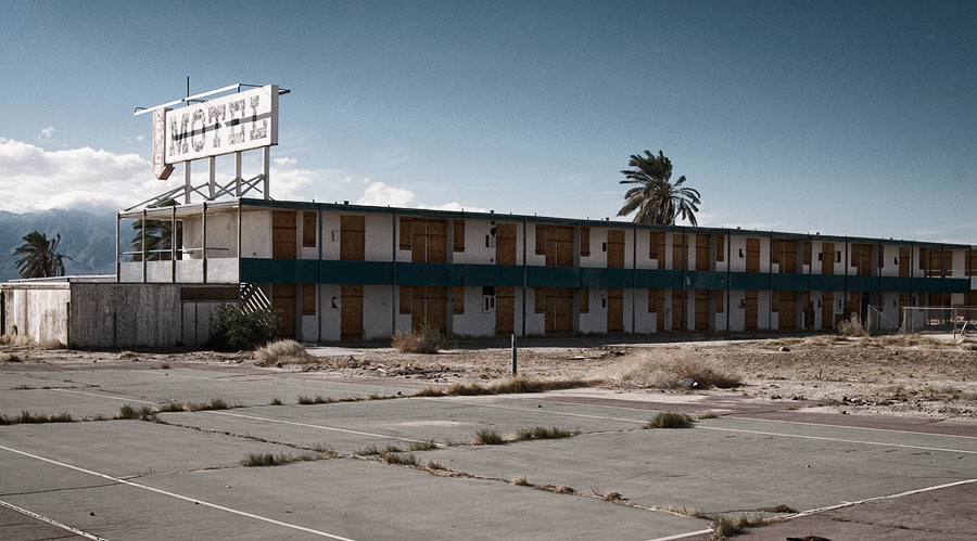 Salton Sea abandoned motel