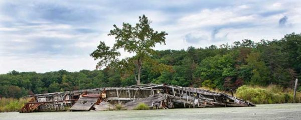 Mallows Bay abandoned boat