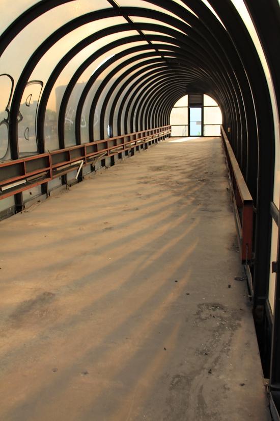 Sheraton-walkway