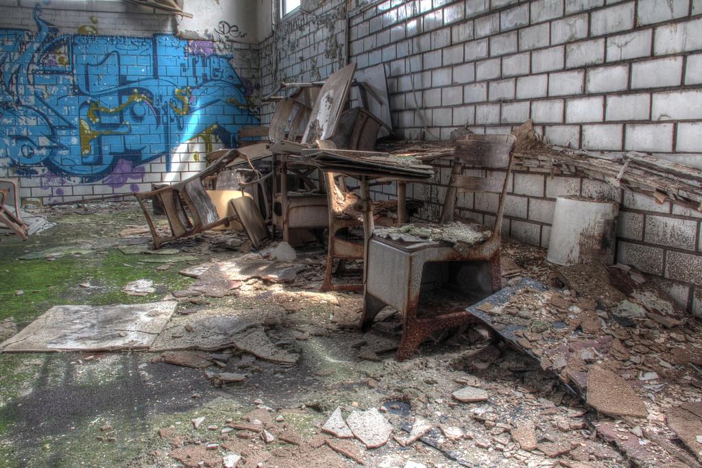Emerson-School-mossy-classroom