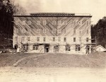 Building the Pressuania Tavern in 1927