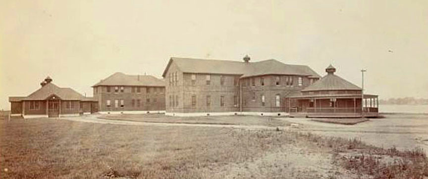 Hart-Island-Branch-Workhouse-female-barracks-1900-2