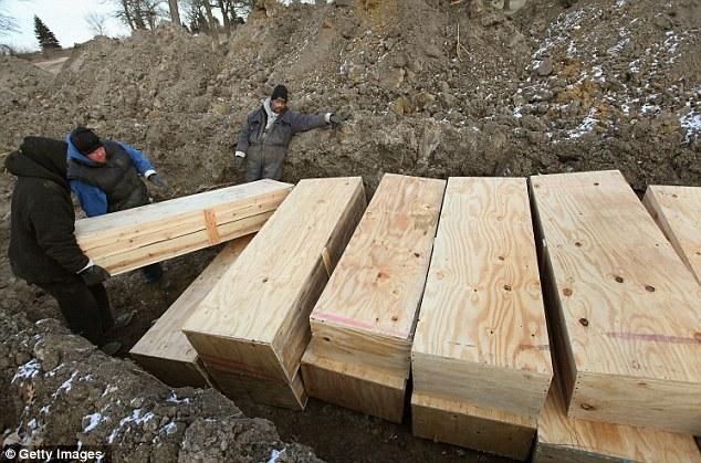 Hart-Island-burials-2