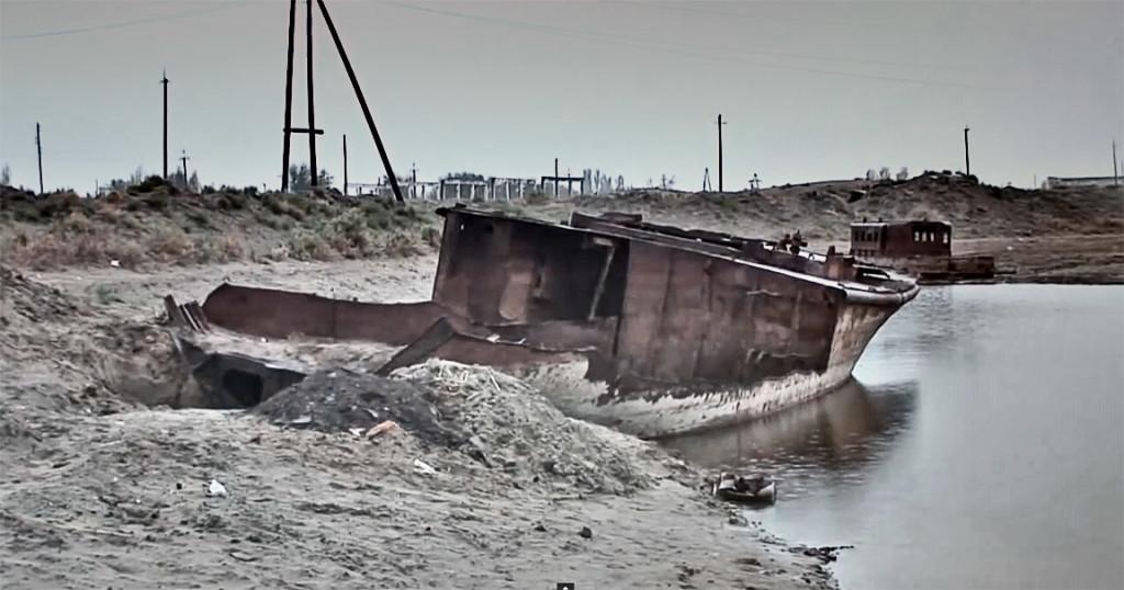 Muynak-harbor-canal