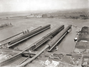 duluth-iron-ore-docks-1950