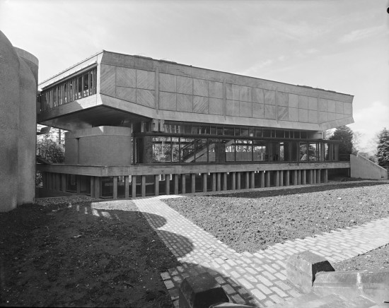 st-peters-seminary-classrooms-library-1960s