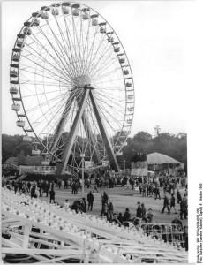 Kulturpark Plänterwald Riesenrad (Ferris wheel), circa 1969