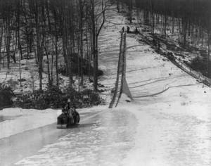 Buck-Hill-Falls-Toboggan-1943