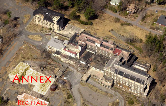 This 2005 Buck Hill Inn aerial photo shows former locations of Annex and Recreation Hall.