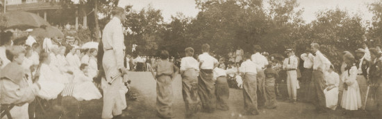 Buck-Hill-Inn-sack-race-1909-1