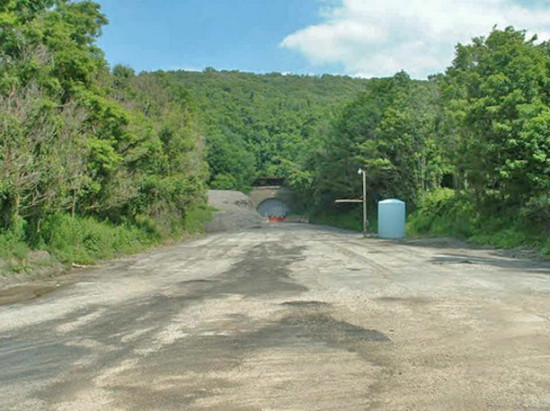 Outside of Laurel Hill Tunnel exit, circa 2003