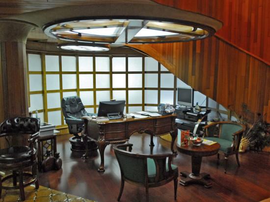 Glass-Bank-penthouse-office-Frank-Wolfe