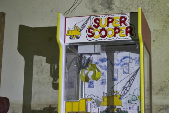 Glass-Bank-super-scooper-2014