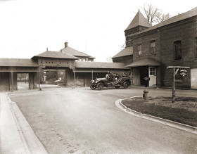 Hudson-River-State-Hospital-driveway-early-1900s