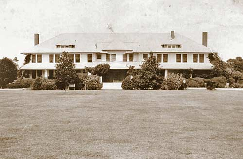 The original Overhills clubhouse (shown here in the late 1920s) was demolished in 1945.