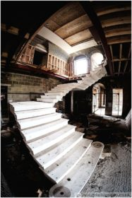 Ravenswick Hall grand staircase