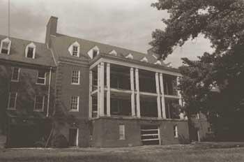Glenn-Dale-Hospital-McCarran-Hall-nurse-dormitory-1989