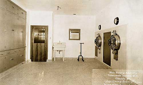 Glenn-Dale-Hospital-main-building-sterilizing-room-1937