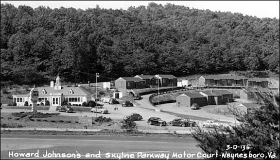 Skyline-parkway-motor-court-postcard-1950s
