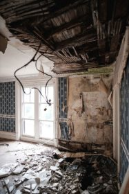 Skinburness-Hotel-collapsing-ceiling