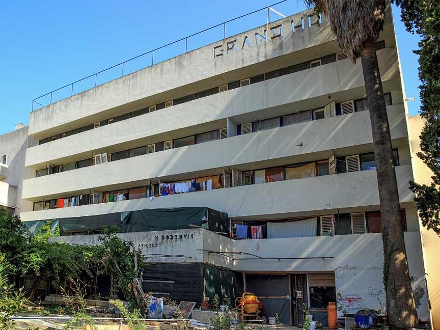 grand-hotel-lopud-croatia-squatters-2012