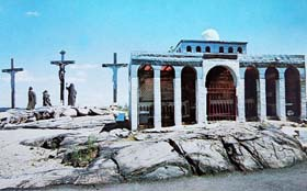 holyland-usa-calvary-postcard