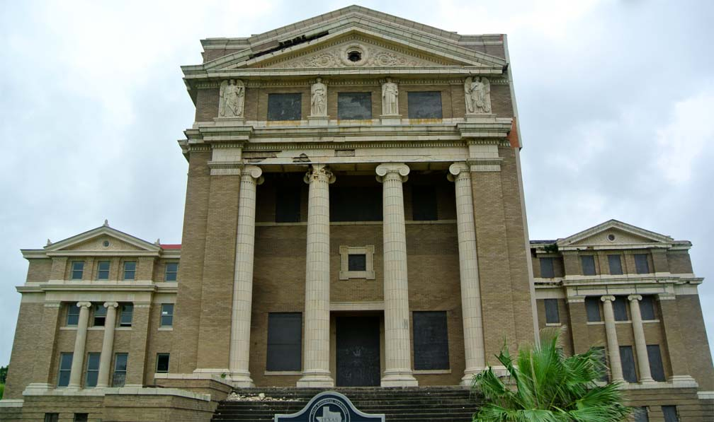 Nueces County Courthouse: Empress in Distress
