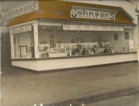 An early Howard Johnson's ice cream stand, circa 1932